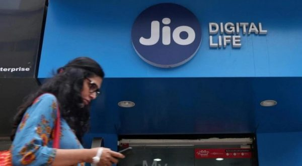 Reliance becomes first telecom company with 400 million subscribers